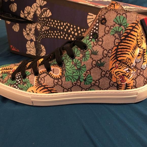 0b3f77bfacc Men s Gucci Shoes